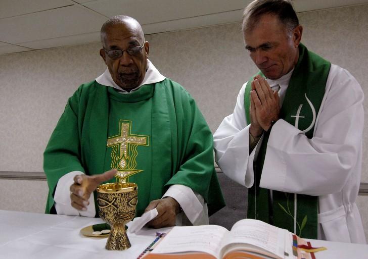 Hvorfor kan kvinder ikke blive præster i Den katolske Kirke?