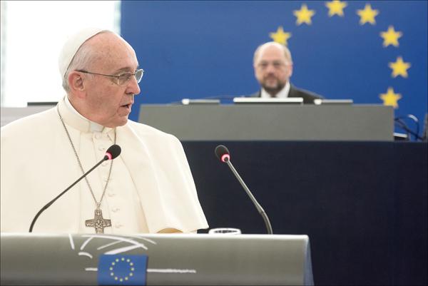 Pavens to taler i Strasbourg