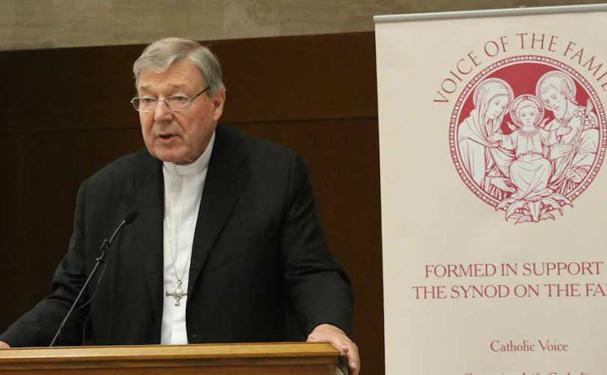 Kardinal Pell og ærkebiskop Hoser opfordrer Synoden til at besinde sig på Johannes Paul 2.'s lære om ægteskab og familie