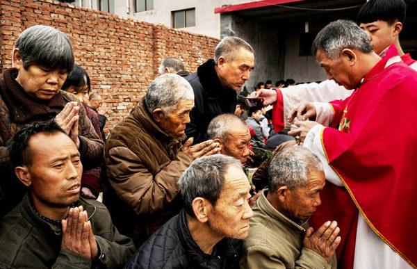 Kina: Regeringen strammer grebet om religiøse grupper