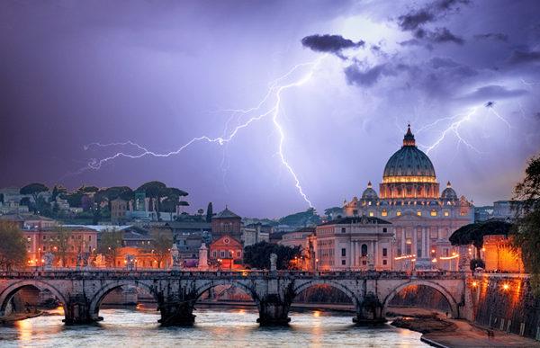 En bombe under pave Frans