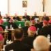 Polens biskopper: Ingen kommunion til fraskilte gengifte
